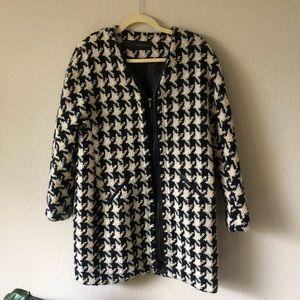 Zara houndstooth zip up jacket size L